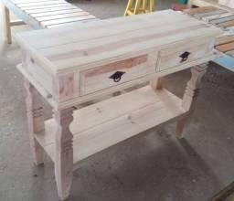 Mesa de madeira maciça - Pinus