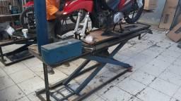 Elevador Pneumático para motos