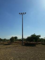 Poste 11m com 4 reletores de 1000wts cada lampada sao 4 postes