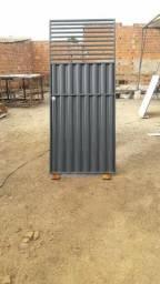 Portão ferro altura 2,10 x largura 0,90 com fehadura sobrepor novo