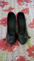 Vendo sapato novo número 33 barato!!