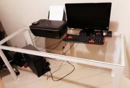 Mesa de escritório linda com tampo de vidro