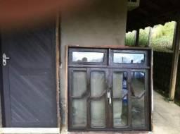 Vendo porta e janelas de itaúba