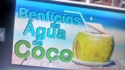 Venha tomar uma agua de coco geladinho apenas 5,00 na fruta e leia o anuncio