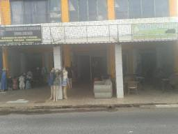 Atenção investidor,prédio com 17 lojas, rendendo 7 mil po més, cha 116 em Árniqueiras