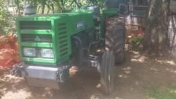Trator Agrale 4300 com arado e grade