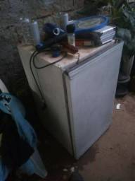 Geladeira frigobar