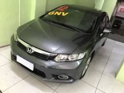 Honda civic 2012/ 7 mil de entrada financio o restante