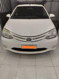 Toyota Etios Sedan X 1.5 - 2014/2014 - 2014