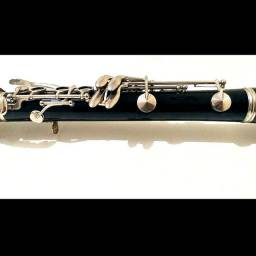 Clarinete Bb Yamaha 24II 17 chaves