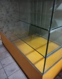 Vendo balcão de vitrine