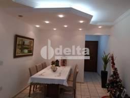 Apartamento à venda com 3 dormitórios em Umuarama, Uberlandia cod:34703
