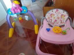 VENDO ESTE DOIS OBJETOS INFANTIL O ANDADOR E BRINQUEDO PARA O DESENVOLVIMENTO DO SEU BB