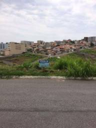 Terreno na Avenida do Contorno - Varginha