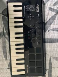 Controladora MIDI M Áudio Axiom Air 32 Mini