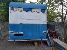 Vendo trailer de lanches, usado semi novo parado