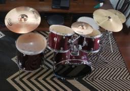 Bateria Mapex e pratos Orion Cymbals