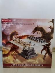 Título do anúncio: Jogo de Xadrez de Resina com tema Dragão