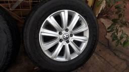 Jogo de roda e pneus seme novos aro 18 Amarok