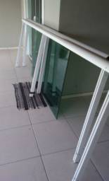 Cerca de varanda alumínio e vidro