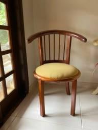 Título do anúncio: Cadeira e mogno