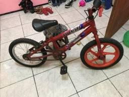 Vendo bicicleta infantil R$ 50.00 Zap 98770.8633