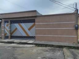 Título do anúncio: Casa com 3 Quartos e 2 banheiros à Venda, 162 m² por R$ 195.000