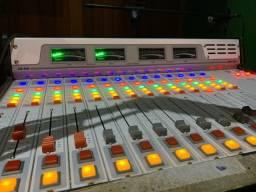 Mesa de som para emissora de rádio