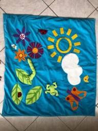 Tapete de atividades montessoriano para bebês