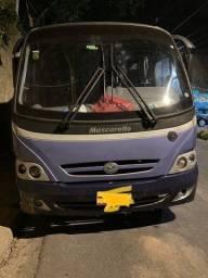 Título do anúncio: Vendo micro ônibus com serviços de transporte