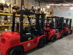 Empilhadeira Diesel | 2,5 toneladas | Torre Triplex de 4.700 mm