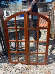 Título do anúncio: Janela de madeira com vidro