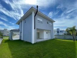 Título do anúncio: (AC) Linda casa com 4 dormitórios sendo 3 suites em condomínio fechado.