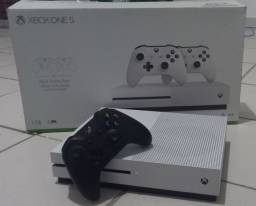 Título do anúncio: Xbox One S 1TB + Red Dead