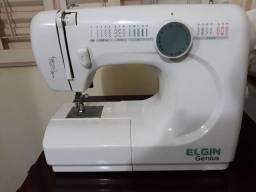 Título do anúncio: Máquina de costura Elgin  genius