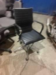 Cadeira de escritório muito confortável