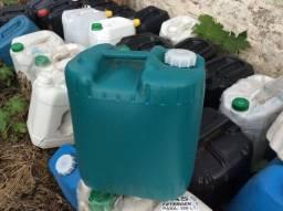 Bombona Plástica Tampa Fixa (Galão) 20\25 Litros Usadas