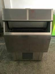 Máquina de gelo everest 150 kg