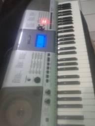 Teclados e equipamentos musicais serviços