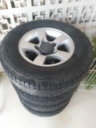 Jogo de rodas e pneus originais Suzuki Jimny 215/75R15
