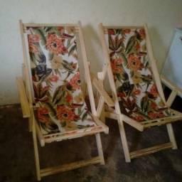 Duas cadeiras novas