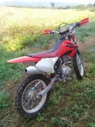 Vende se uma crf 230 6.500 - 2008