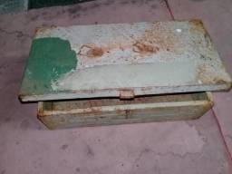Caixa de ferramenta antiga reformada