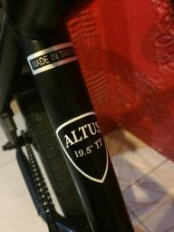 Bicicleta bmx subrosa