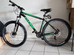 Bicicleta Evoke aro 29, 21 marchas, preta e verde