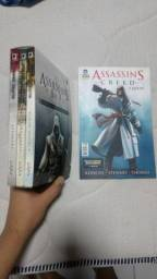 Vendo box do Assassins Creed, 3 livros mais HQ a queda