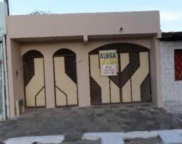 Casa ampla para locação no Centro, em Alagoinhas/BA