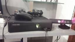Xbox 360 completíssimo (aceito cartão)