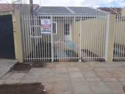 Linda casa à venda no bairro Vitória Régia, com 2 quartos, muito bem localizada a poucas q