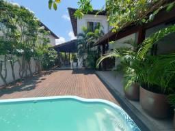 Linda Casa 4/4 Armários Planejados e piscina privativa Condominio Fechado em Vilas do Atlâ